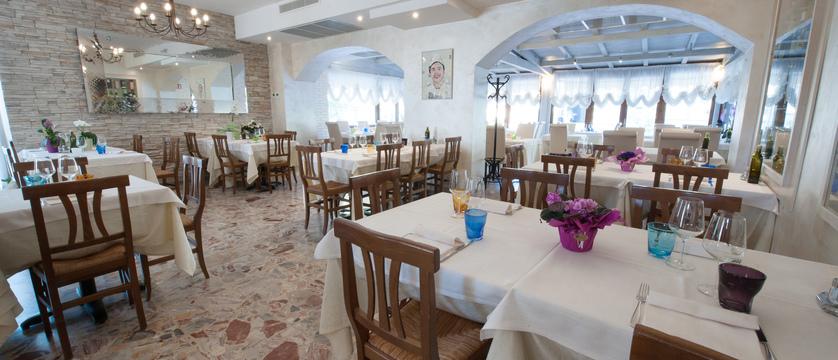 hotel-italia-garda-restaurant.jpg